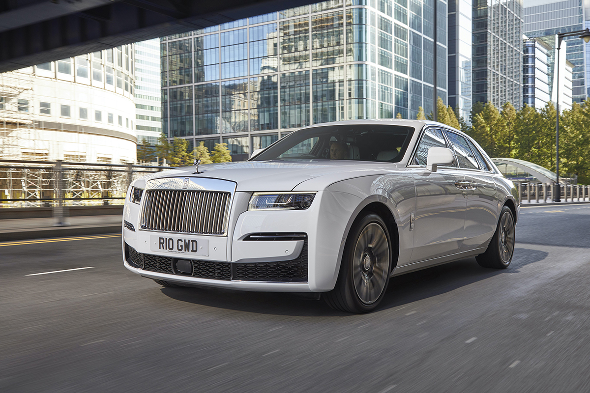Ghost and Cullinan